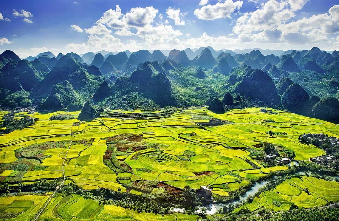 织金洞+乌蒙大草原+万峰林+马岭河峡谷+黄果树瀑布+黔灵山