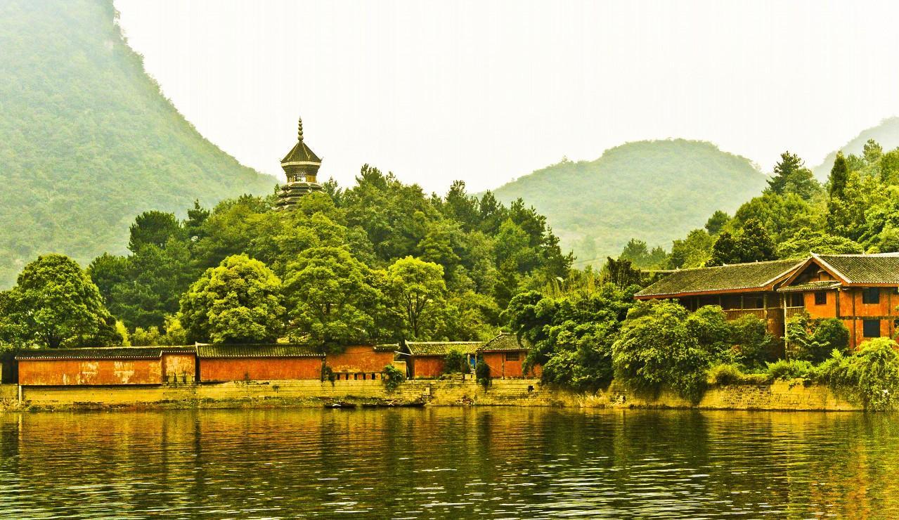 """""""高原明珠""""—贵州红枫湖一日游"""